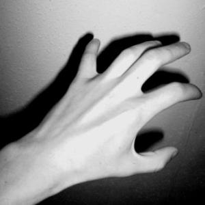 Hands_from_the_dark